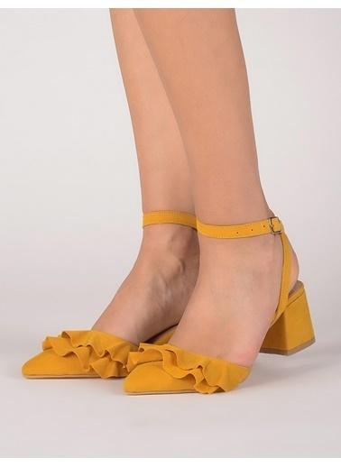 Mecrea Kalın Topuklu Sivri Burun Sandalet Sarı